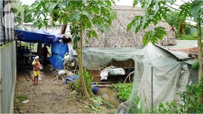 Bố chết đuối khi cứu vườn rau trong bão, 3 đứa con thơ ngơ ngác chưa hiểu chuyện gì.6