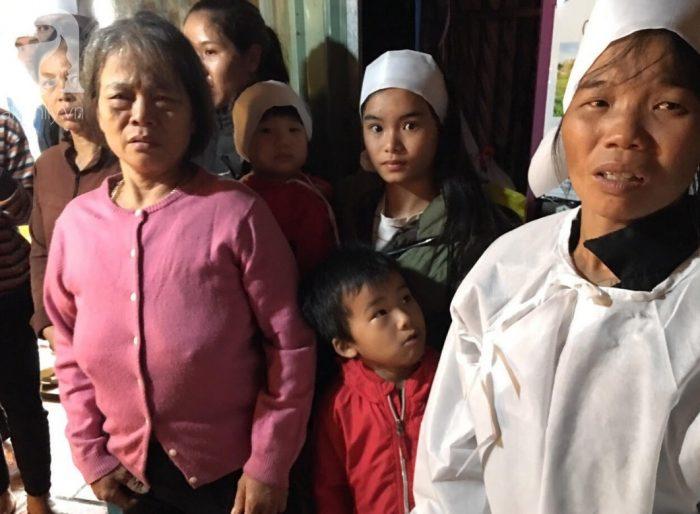 Bố chết đuối khi cứu vườn rau trong bão, 3 đứa con thơ ngơ ngác chưa hiểu chuyện gì.9