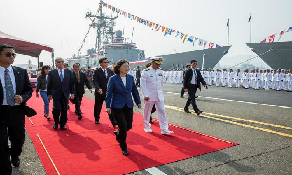 Nhà lãnh đạo Đài Loan Thái Anh Văn tại buổi lễ bàn giao hai tàu hộ vệ chống ngầm PFG-1112 Ming Chuan và PFG-1115 Feng Chia. (Nguồn: Internet)