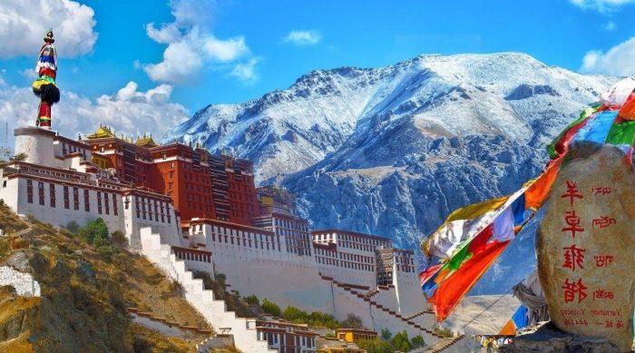 Thung lũng Larung Gar, nơi ở của hàng chục nghìn tăng nhân Tây Tạng. (Ảnh: Internet)