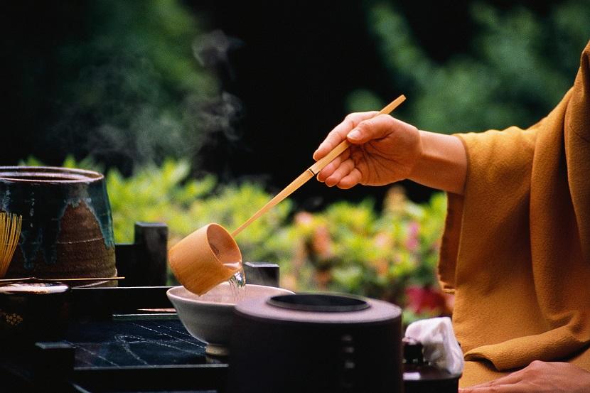 Một số người có phương thức sinh hoạt rất đơn giản, ăn uống cũng đơn giản lại không dễ mắc bệnh. (Ảnh qua Culilux)