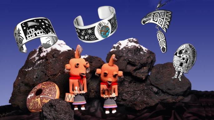 Trang sức phủ bạc của người Hopi. (Ảnh qua Kopavi Gallery Sedona)