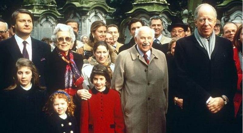 Truyền hình Nga công bố sức mạnh toàn cầu của gia tộc Rothschild. Ảnh 1