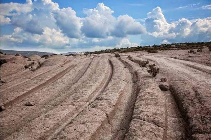 Bí ẩn bánh xe 300 triệu tuổi và những vết xe lạ thường trên khắp thế giới - ảnh 5
