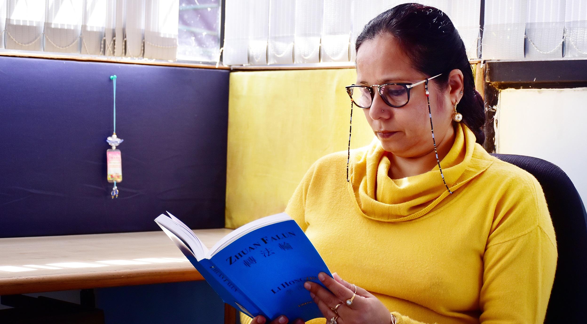 """Cựu hiệu trưởng 5 trường học tại Ấn Độ: """"Chân Thiện Nhẫn"""" giúp tôi trở thành một """"hiệu trưởng ôn hòa"""""""