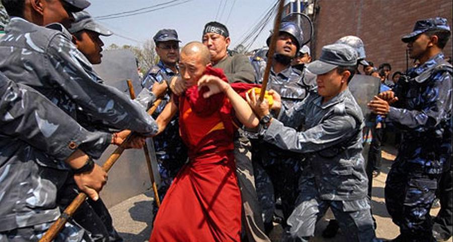 """Tờ Diplomatd đưa tin về đàn áp """"lưu manh"""" và kiểm duyệt tại Trung Quốc"""