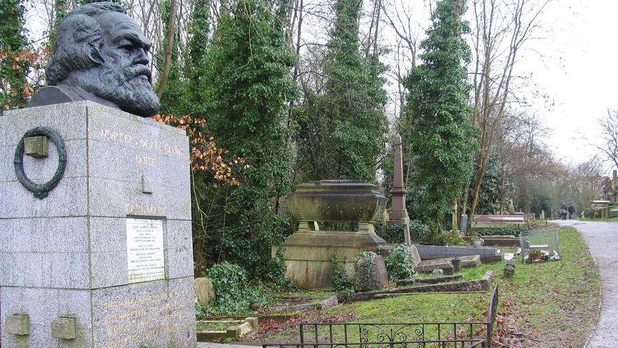 Mộ Karl Marx ở London 'bị đập bằng búa'. Ảnh 1