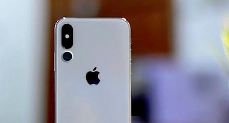 iPhone 2019 sẽ trang bị 3 camera, sạc ngược không dây, mặt lưng kính mờ?