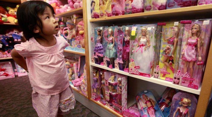 9 lý do vì sao không nên cho con dùng đồ chơi Trung Quốc.1
