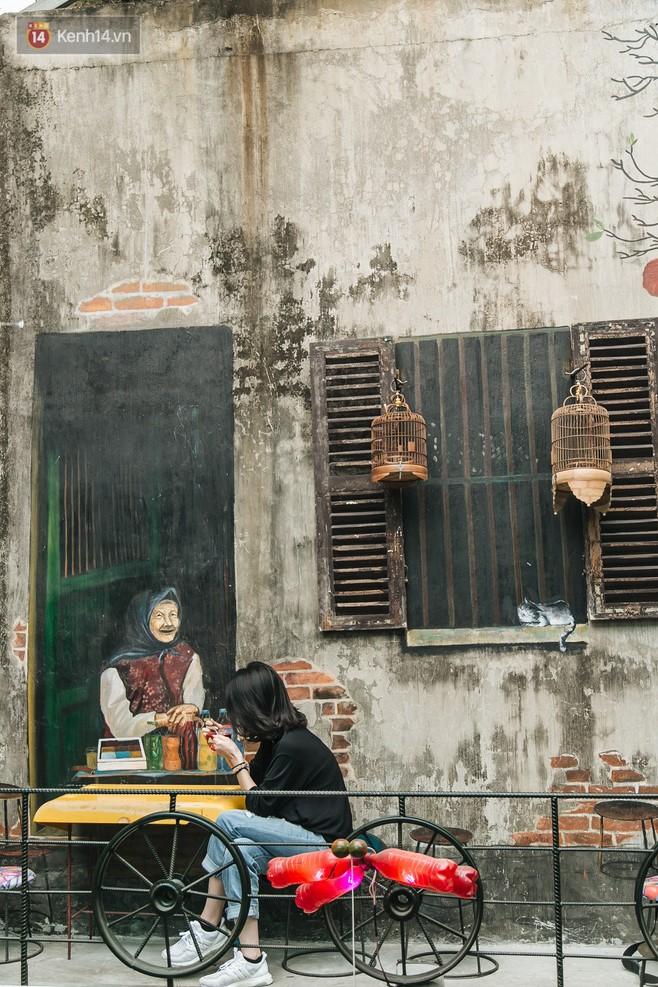 Quán cà phê tái chế lớn nhất Hà Nội: Ý tưởng bắt nguồn từ làng ung thư.11