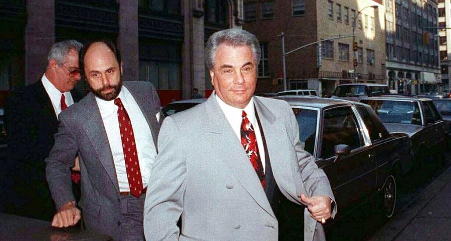 """""""Ông trùm tàng hình"""" - Mafia New York bị bắn chết trước cửa nhà. Ảnh 1"""