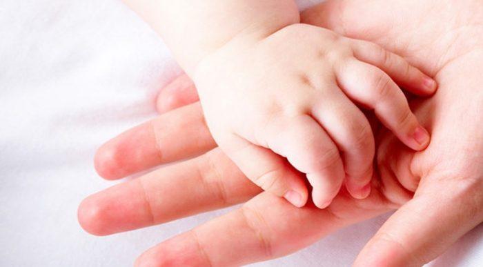 Nhận biết tình trạng sức khỏe tiềm ẩn của bạn qua 10 dấu hiệu trên bàn tay