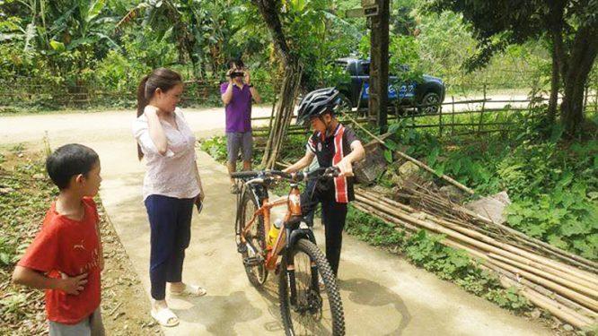 Cậu bé đạp xe hơn 100km để thăm em: Cộng đồng mạng tặng em 1 xe địa hình mới cứng - H5