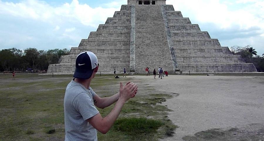 Chỉ cần vỗ tay trước Kim tự tháp Kukulkan, bạn sẽ nghe thấy tiếng chim Quetzal