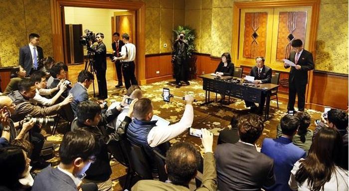 Triều Tiên họp báo lúc nửa đêm tuyên bố lý do không đạt thỏa thuận