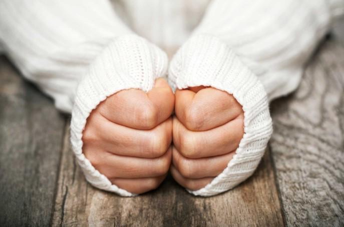 Nhận biết tình trạng sức khỏe tiềm ẩn của bạn qua 10 dấu hiệu trên bàn tay.4
