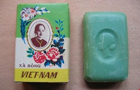 """Xà bông Việt Nam """"vang bóng một thời"""". (Ảnh qua Báo Mới)"""