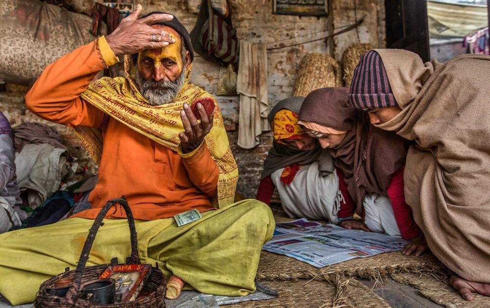 Trong số các thánh sống Sadhus tu luyện khổ hạnh ngày nay, liệu có ai có đủ năng lực phép thuật để mở cửa Khoang B của đền Padmanabhaswamy? (Ảnh quaiFuun)