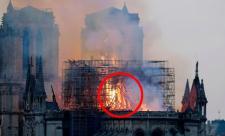 Chúa Jesus xuất hiện trong đám cháy nhà thờ Đức Bà Paris?