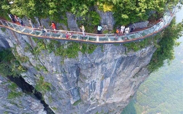 Sa Pa sắp có cây cầu kính 'ôm núi' dài và cao nhất Đông Nam Á? - H6
