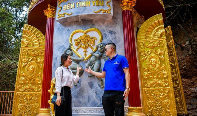 Cầu kính Mộc Châu chính thức khánh thành thu hút hàng trăm du khách. 12