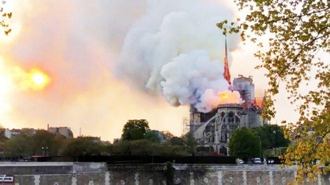 Ám ảnh ngày 15/4: Không chỉ cháy Nhà thờ Đức Bà, lịch sử còn chứng kiến nhiều sự kiện bi thương hơn. 1