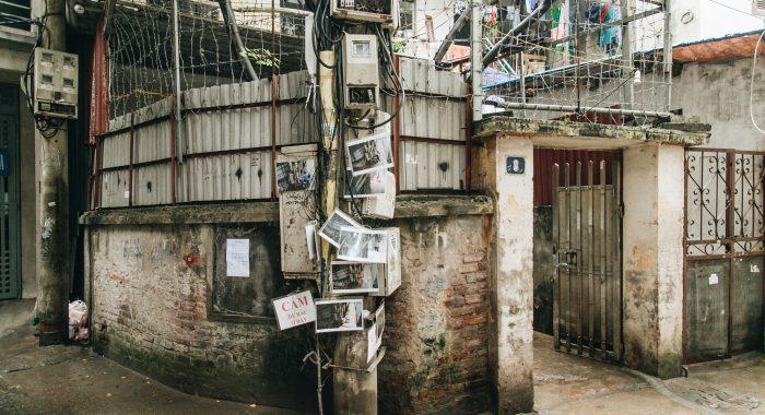 Hà Nội: Dán ảnh người xả rác trộm lên cột điện, ngõ xóm sạch bóng.1