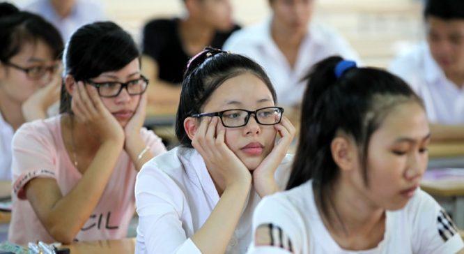 Bằng chứng gian lận thi cử có tổ chức: Học sinh chủ động không điền trắc nghiệm! - H1