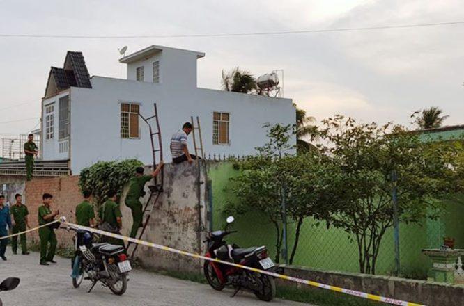 Cảnh sát thu giữ tang vật tại khu đất cách hiện trường nửa km