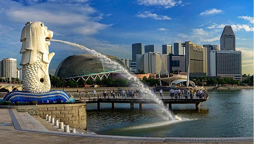 Sinh viên Việt bị phạt đánh 4 roi vào mông vì sống chui ở Singapore