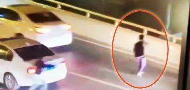 Cãi nhau với mẹ, nam sinh 17 tuổi lao khỏi ô tô, nhảy xuống cầu tự tử
