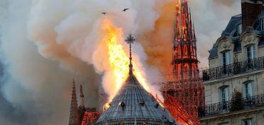 Cháy lớn tại Nhà thờ Đức Bà Paris – Biểu tượng lịch sử của nước Pháp