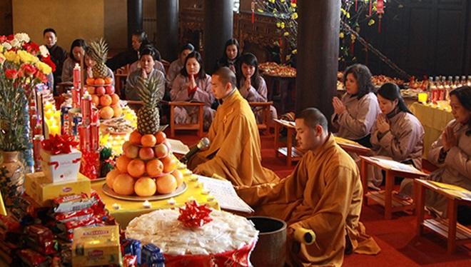 Việc cúng sao, giải hạn, cúng giải oan đã đi lệch lạc so với các nguyên lý cốt lõi của nhà Phật. (Ảnh minh họa: lichngaytot)