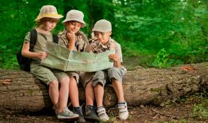 Gần gũi với thiên nhiên giúp ích rất nhiều cho sức khỏe tâm thần của trẻ em. (Ảnh minh họa)