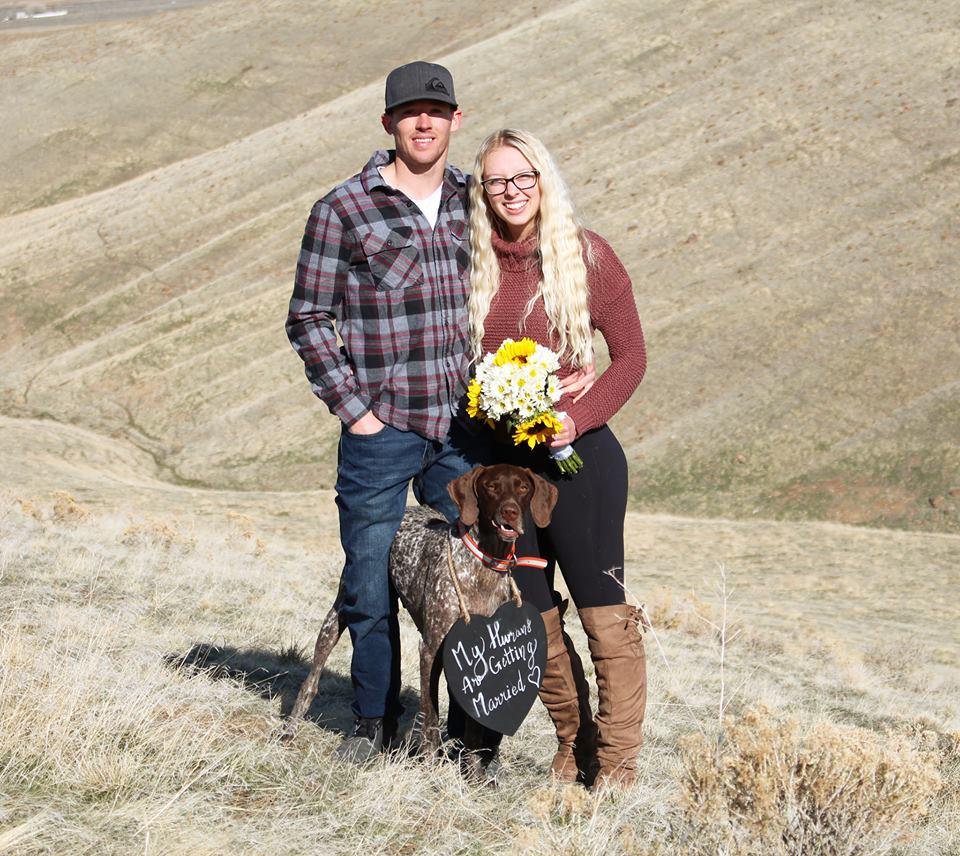 Cô gái bật khóc hạnh phúc khi được cầu hôn, ông bố từ xa chạy lại: 'SAY NO'3