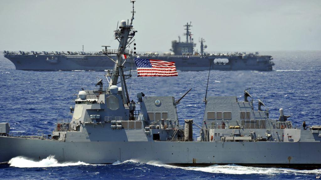 Tàu chiến Mỹ áp sát đảo Gạc Ma, thách thức sự chiếm đóng trái phép của Trung Quốc.4