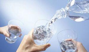 """Uống nước lọc sai cách là tự """"đầu độc"""" bản thân, cực nguy hiểm"""