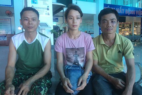 Quảng Trị: Hai vợ chồng trẻ bị nhóm xăm trổ đánh, bắt quỳ giữa trưa nắng.5