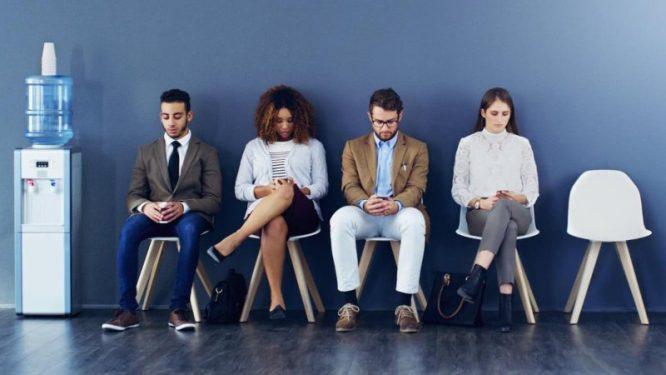 Hiện nay có 4 nghề có thể tránh khỏi nguy cơ mất việc do AI gây ra. (Ảnh qua LinkedIn)
