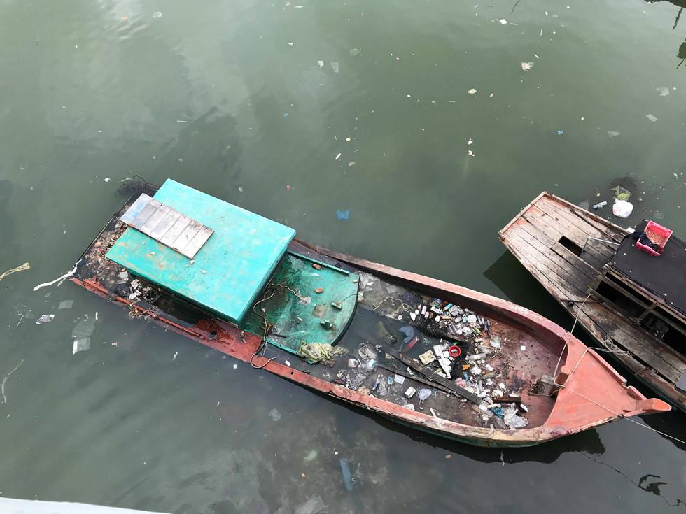 Đảo ngọc Phú Quốc ngập trong biển rác vì sự vô ý thức của người dân 3 - H7