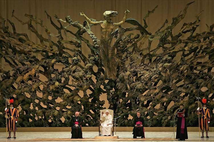 Những hình ảnh cho thấy Đại Thính đường ở Ý giống bò sát đến kỳ lạ.9