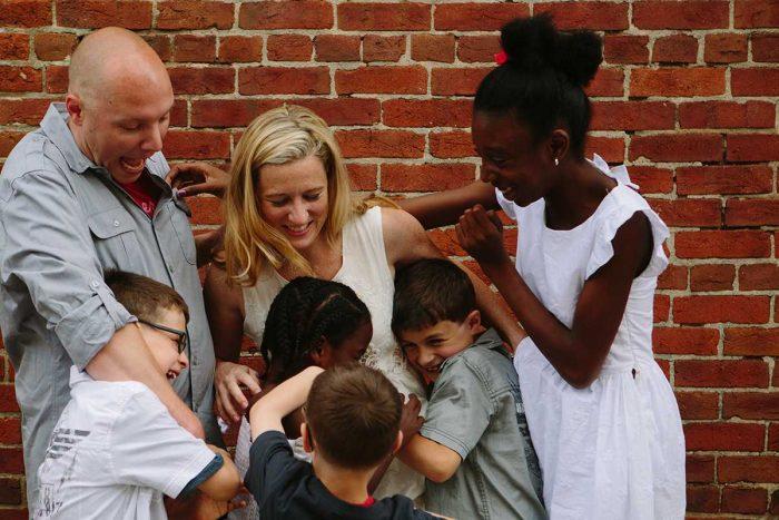 4 lý do chứng minh vợ quan trọng hơn con cái, ai xem xong cũng phải suy ngẫm...6