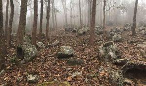 Bí ẩn những chiếc chum đá nghìn năm chứa hài cốt người chết ở Lào