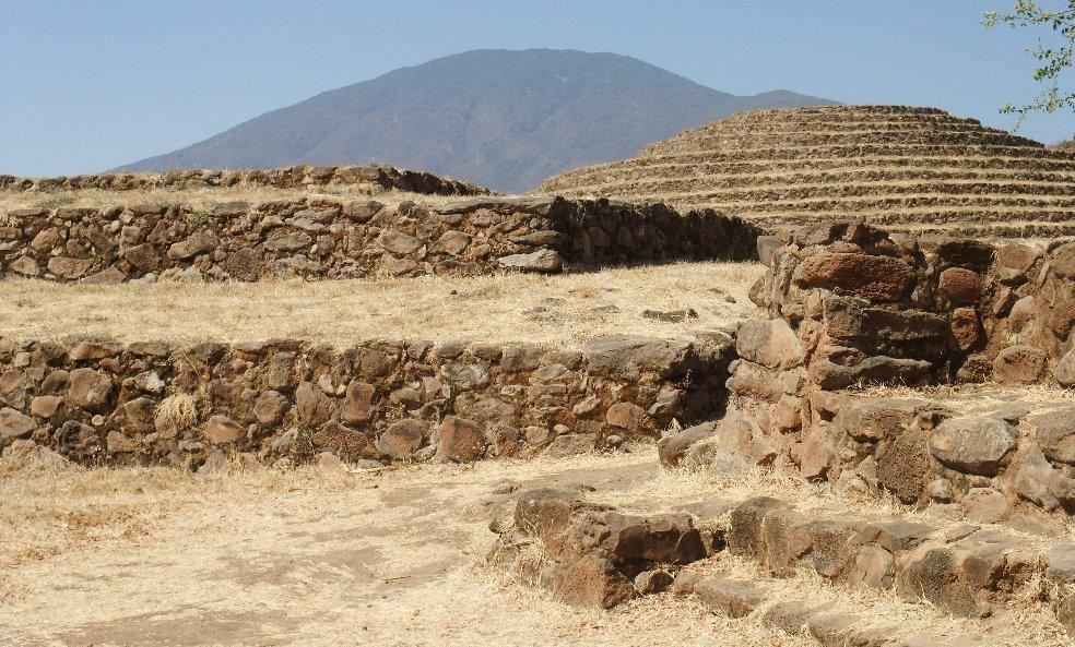 Vị trí địa lý ngay bên cạnh các mỏ đá vỏ chai lớn nhất thế giới của thành phố này đóng vai trò rất quan trọng đối với văn minh Teuchitlán. (Ảnh qua Ancient Pages)