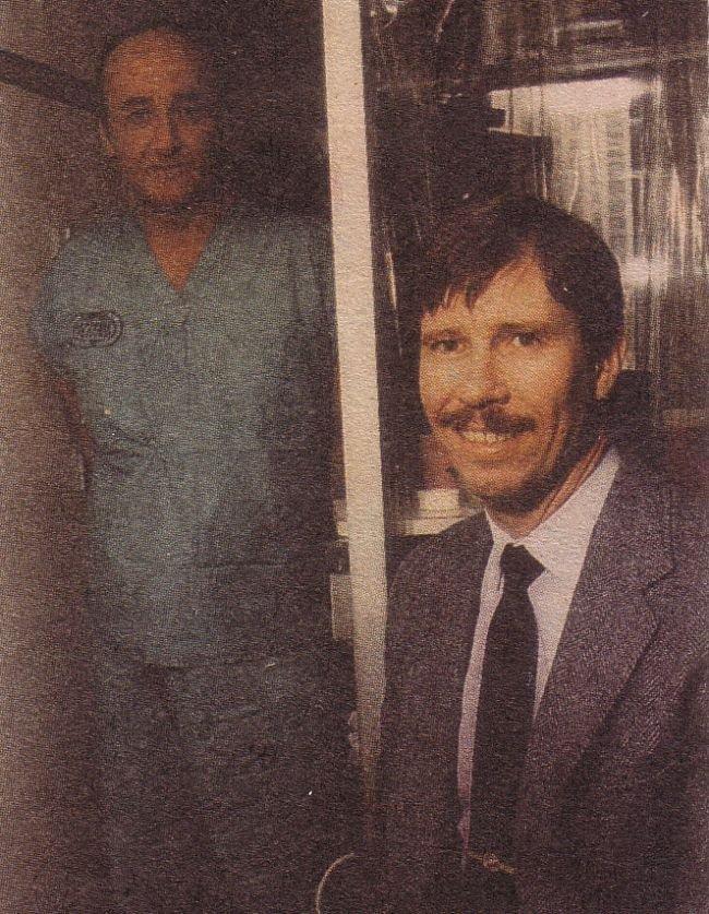 Từ trái qua phải là Valeri Bezpalov vàAlexei Ananenko. (Ảnh quachtoa.org)