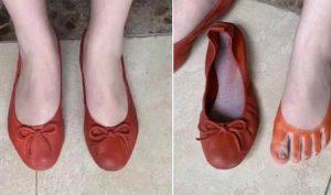 Mua giày online được khuyến mãi thêm đôi tất, cô nàng khóc không ra nước mắt
