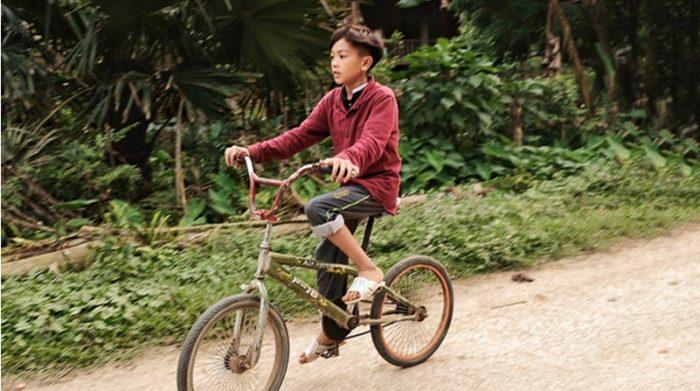 Thêm một bé trai đạp xe 60km từ Nam Định lên Hà Nội để tìm mẹ. 1