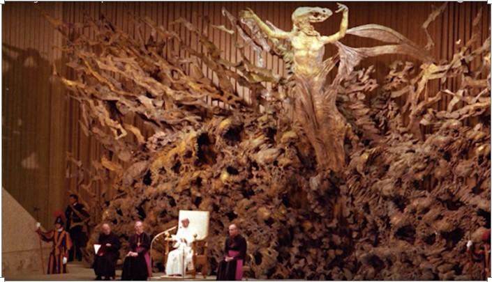 Những hình ảnh cho thấy Đại Thính đường ở Ý giống bò sát đến kỳ lạ.11