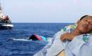 """2 cha con ngư dân bị tàu lạ đâm: """"Có chết cũng không bao giờ được buông cổ ba"""""""