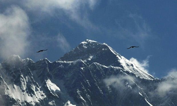 Đỉnh núi Everest. (Ảnh: Niranjan Shrestha/AP)